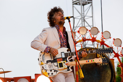 The Flaming Lips (Wayne Coyne) on the National Mall (Earth Day 2009)