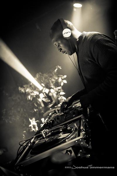 DJ Logic-20131110-067