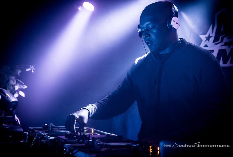 DJ Logic-20131110-070