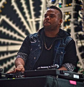 DJ TJ Mizell at Knockdown Center