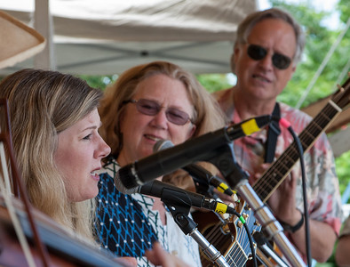 Dar Williams with Holly Near and Tom Chapin at eh 2014 Clearwater Festival.