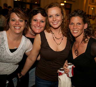 Mindy Swigart, Amanda Felts, Melissa Harlow and Shelley Zile of Dayton at Cincinnati Music Hall for Daughtry