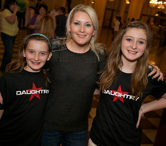 Georgia, Jackie and Maddi from Australia at Cincinnati Music Hall for Daughtry
