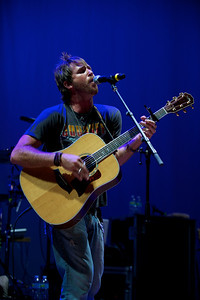Mike Sanchez performs at Cincinnati Music Hall on Tuesday night
