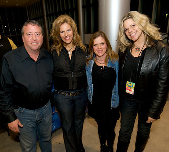 Jeff, Lesley, Amy and Katie at the Bank of Kentucky Center Friday night for Daughtry