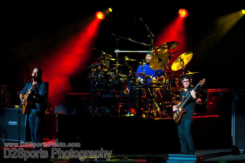 Dave Matthews Band ... Summer Tour 2010<br /> Jul 21, 2010 at Verizon Wireless Amphitheatre Charlotte<br /> (file 203314_803Q4272_1D3)