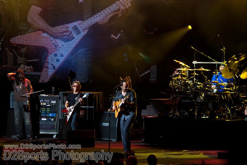 Dave Matthews Band ... Summer Tour 2010<br /> Jul 21, 2010 at Verizon Wireless Amphitheatre Charlotte<br /> (file 205648_803Q4319_1D3)