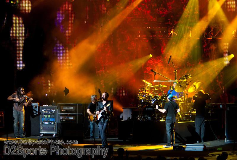 Dave Matthews Band ... Summer Tour 2010<br /> July 21, 2010 at Verizon Wireless Amphitheatre Charlotte<br /> (file 215753_803Q4468_1D3)