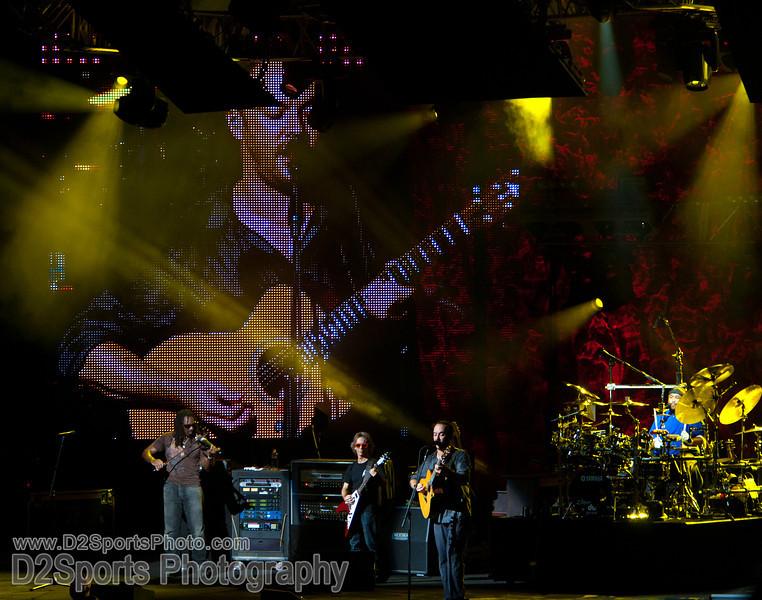 Dave Matthews Band ... Summer Tour 2010<br /> Jul 21, 2010 at Verizon Wireless Amphitheatre Charlotte<br /> (file 205713_803Q4323_1D3)