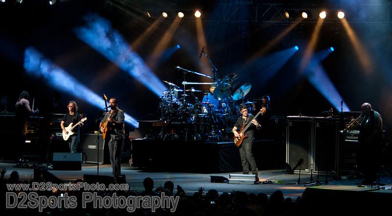 Dave Matthews Band ... Summer Tour 2010<br /> Jul 21, 2010 at Verizon Wireless Amphitheatre Charlotte<br /> (file 203443_803Q4275_1D3)