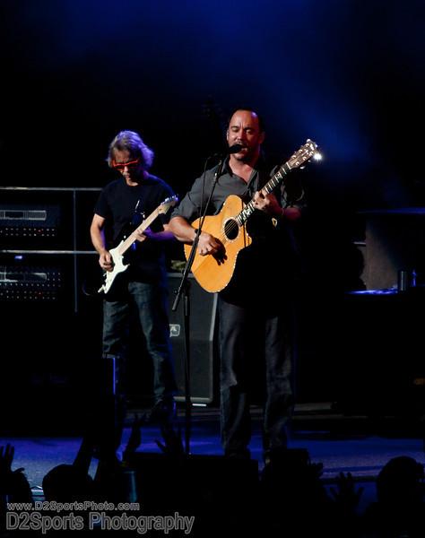 Dave Matthews Band ... Summer Tour 2010<br /> Jul 21, 2010 at Verizon Wireless Amphitheatre Charlotte<br /> (file 203111_803Q4264_1D3)