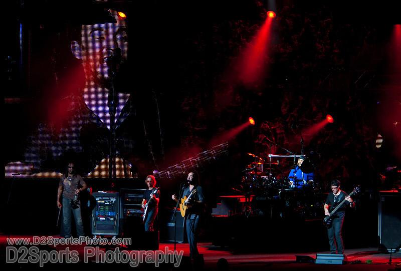 Dave Matthews Band ... Summer Tour 2010<br /> Jul 21, 2010 at Verizon Wireless Amphitheatre Charlotte<br /> (file 205659_803Q4322_1D3)