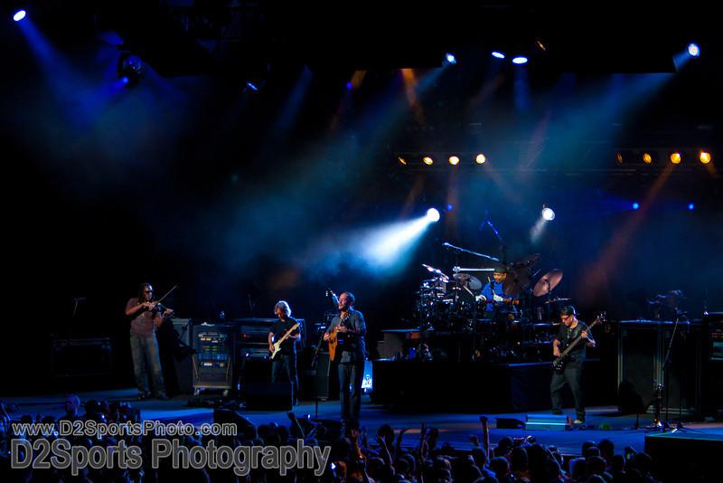 Dave Matthews Band ... Summer Tour 2010<br /> Jul 21, 2010 at Verizon Wireless Amphitheatre Charlotte<br /> (file 204846_803Q4302_1D3)
