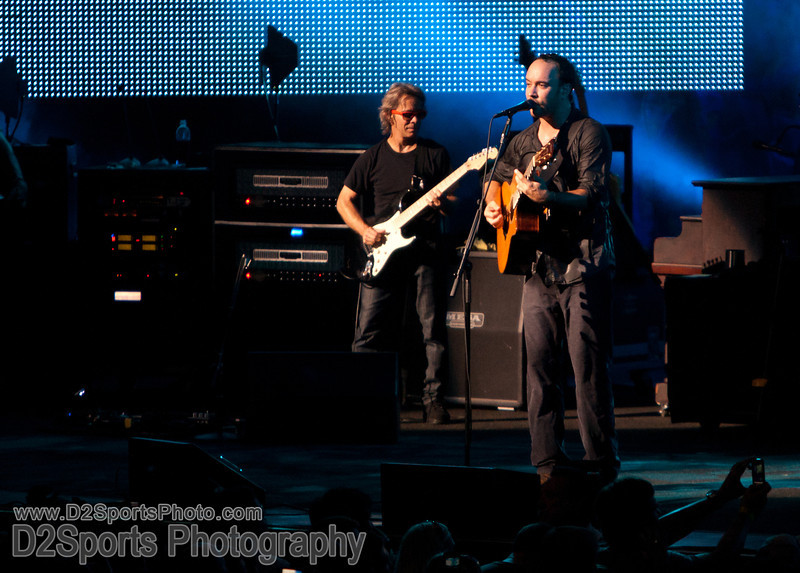 Dave Matthews Band ... Summer Tour 2010<br /> July 21, 2010 at Verizon Wireless Amphitheatre Charlotte<br /> (file 213555_803Q4413_1D3)