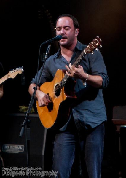Dave Matthews Band ... Summer Tour 2010<br /> Jul 21, 2010 at Verizon Wireless Amphitheatre Charlotte<br /> (file 203056_803Q4258_1D3)