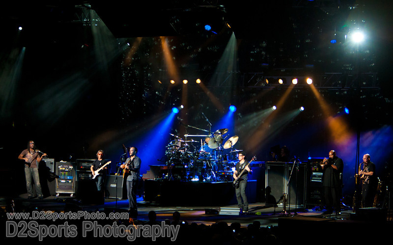 Dave Matthews Band ... Summer Tour 2010<br /> Jul 21, 2010 at Verizon Wireless Amphitheatre Charlotte<br /> (file 204514_803Q4286_1D3)