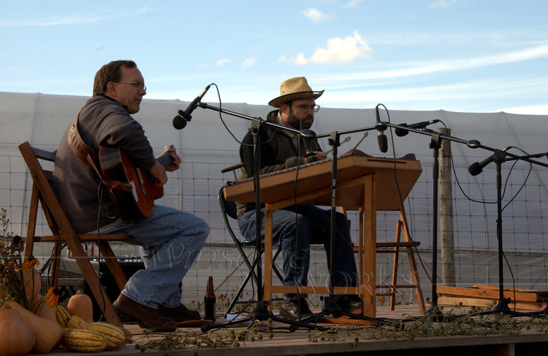 Cliff Cole and ?? playing at Blooming Glen CSA Farm's Harvest Fest, Oct. '09