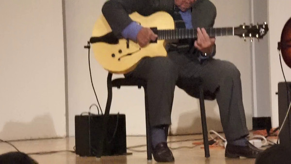 Bucky Pizzarelli, Frank Vignola