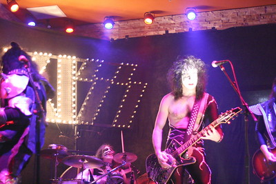 107 Destroyer - KISS Tribute Band @ Coach Joe's, Frisco, TX  5/2008
