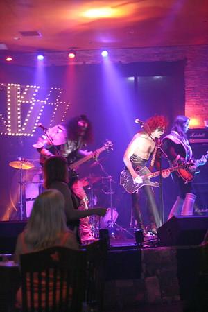 088 Destroyer - KISS Tribute Band @ Coach Joe's, Frisco, TX  5/2008