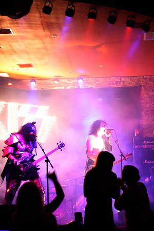 090 Destroyer - KISS Tribute Band @ Coach Joe's, Frisco, TX  5/2008