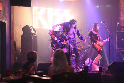 091 Destroyer - KISS Tribute Band @ Coach Joe's, Frisco, TX  5/2008