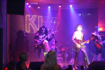 085 Destroyer - KISS Tribute Band @ Coach Joe's, Frisco, TX  5/2008