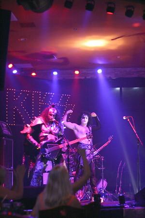 097 Destroyer - KISS Tribute Band @ Coach Joe's, Frisco, TX  5/2008