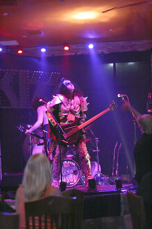 "188 ""Destroyer"" KISS Tribute Band - Texas, USA"