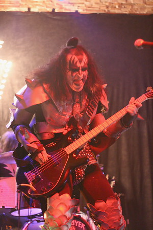 "442 ""Destroyer"" KISS Tribute Band - Texas, USA"