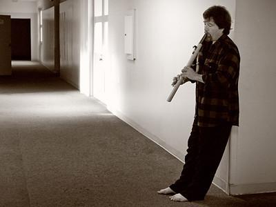 Bill Leyden rehearses with Native American-style flute by John Stillwell.  Photo: Hugh Milne.