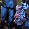 Everett giving a seminar on stylin' as a front man.