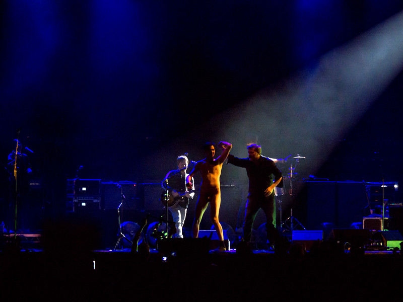 Guy Garvey & the Streaker :-)
