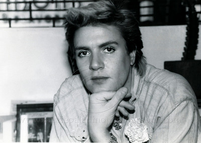 DuranDuran_lp_1004 Simon LeBon of the English pop group Duran Duran at an New York City video store autograph session for Duran Duran's video release 1984 Photo ©Laurie Paladino 1984