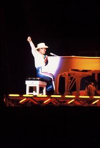 ELTON JOHN at NEW HAVEN, CT 1983