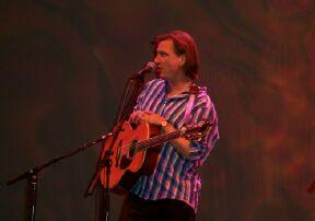 Ellis at the show in the Shea Auditorium in Wayne, NJ. April 16, 2005.