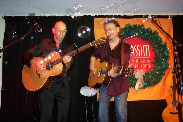 Ellis at Passim - Late Show - Dec. 31, 2007