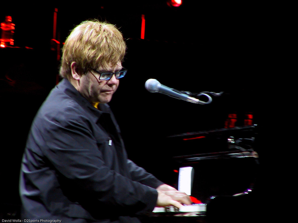Face to Face Tour ... Elton John - Billy Joel Concert<br /> Apr 28, 2001 at Greensboro Coliseum<br /> (file IMG_0836)