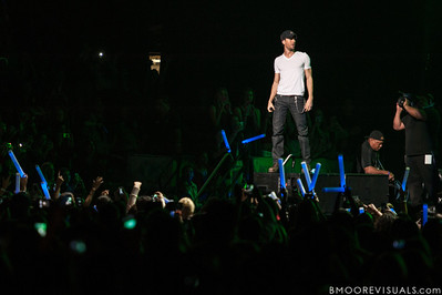Enrique Iglesias performs on December 8, 2012 during the Y100 Jingle Ball at BB&T Center in Sunrise, Florida