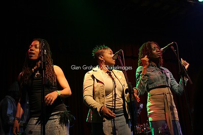 Backup Singers for Beres Hammond