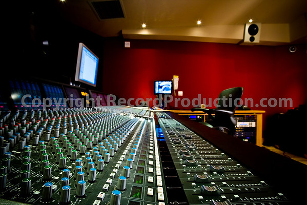 This fabulous SSL Duality mixing console is at Modern World Studios in Tetbury, Gloucestershire, UK. Taken with 16-35L at 16mm on 1DmkIII