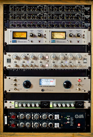 Outboard equipment in recording studio, compressor, limiter, dynamics, mic pre
