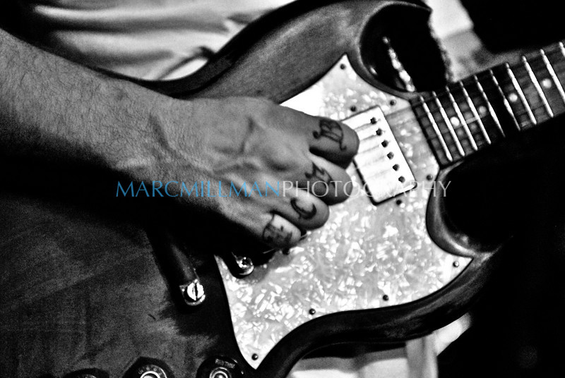 Strummin' the SG<br /> Eric Lindell @ Sullivan Hall (Wed 6/9/10)