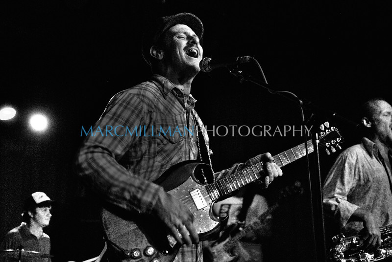 In The Groove<br /> Eric Lindell @ Sullivan Hall (Wed 6/9/10)
