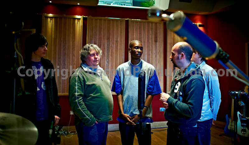 Producer Sean Genockey holds court on the RecordProduction.com Recording Masterclass at Modern World Studios, March 2010