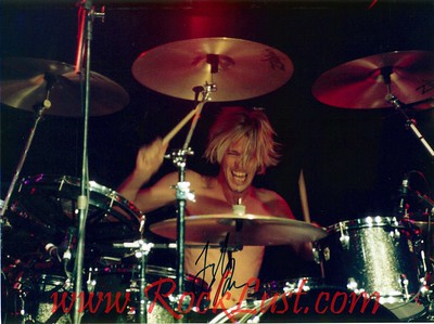 Foo Fighters - Taylor Hawkins (autographed)