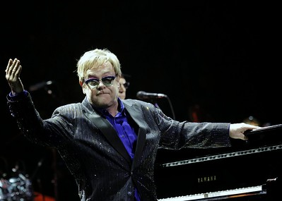 ELTON JOHN IN PHILADELPHIA FOR SUPERGLUED-COMPLEX MEDIA
