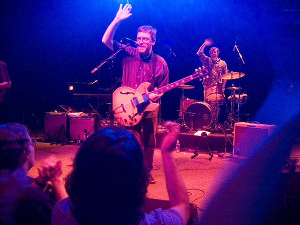 Teenage Fanclub waving goodnight at the end of their show at the 9:30 club on July 20th 2005