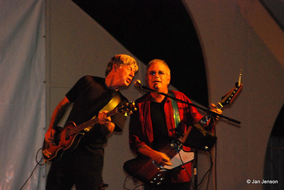 Steve Stoeckel and Jamie Hoover of The Spongetones.