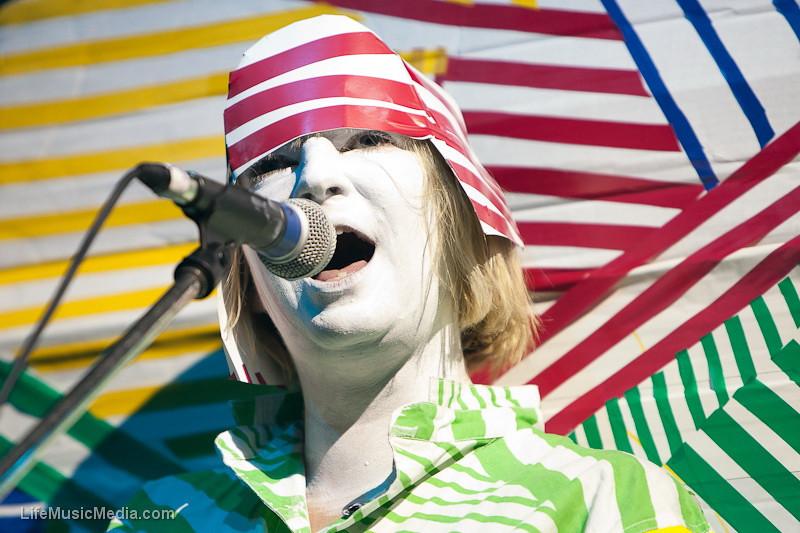 "Sia @ Big Day Out 2011  Photographer:  <a href=""http://www.okletsgo.com.au/"" target=""_wina"">Matt Palmer</a>  <a href=""http://lifemusicmedia"" target=""_wina"">LIFE MUSIC MEDIA</a>"
